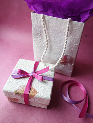 Delivered in a beautiful gift bag (designs may vary) with gift tag for your greeting.