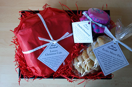 Christmas Hamper: 6-inch gluten free Luxury Xmas Cake, Jar of Chilli Chutney, Pack of 6 glutenfree Mince Pies. All ingredients gluten free